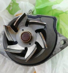 Помпа б/у шкода Фабия 2012 года 1,4 двигатель