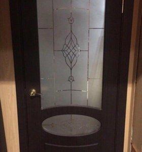 Дверь со стеклом массив