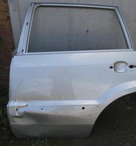 Дверь левая задняя. на Ford Fusion