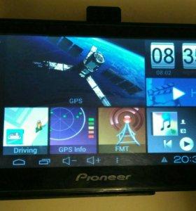 Авто навигатор, планшет, видеорегистратор.
