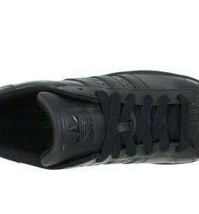 Кроссовки Adidas кожаные 44 р.