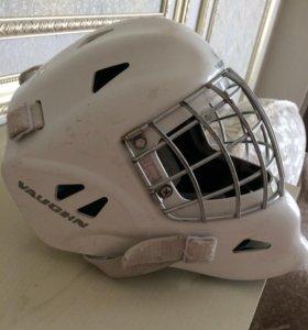 Шлем вратаря