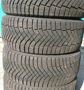 245/45R18 Pirelli Ice Zero Fr