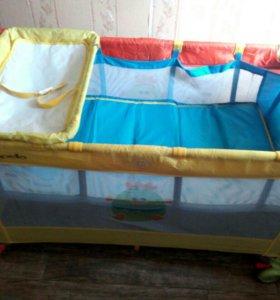 кровать детская ,манеж ,матрас ,пеленальный столик