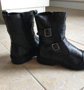 Ботинки зимние новые 40р-р