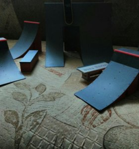 Рампа со скейтбордом