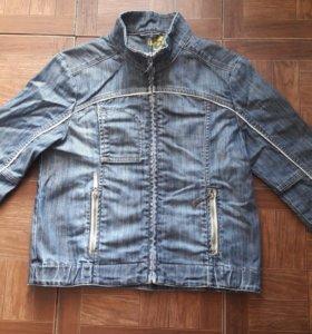 Куртка джинсовая размер 42-44