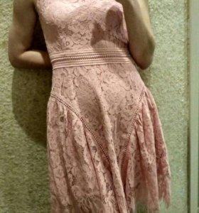 Кружевное платье 42р