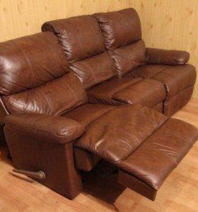 Кожаный диван реклайнер Sotka