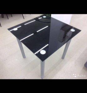 Кухонный стол, новый в упаковке