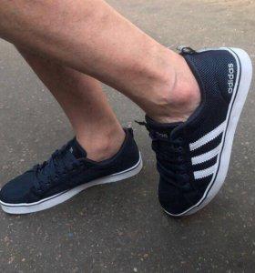 Новые мужские кроссовки adidas.