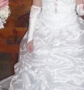 Свадебное платье, белого цвета