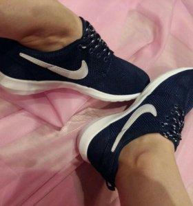 Новые женские кросовки Nike