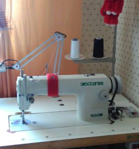 Промышленная швейная машинка Zoje ZJ8700 со столом