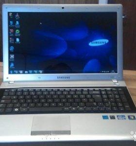 Ноутбук Samsung RV520 (i3/4/320/nvidia 520 1gb)