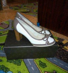 Кожаные туфли Kapricci новые