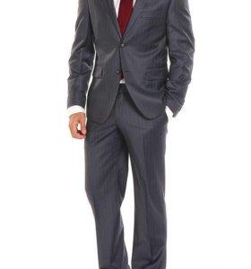 Новый итальянский костюм на 48-50