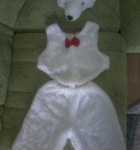 Продам новогодний костюм белого плюшевого медведя