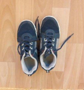 Кросовки детские размер 32