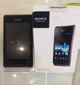 Телефон Sony Xperia e