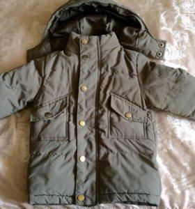 Демисезонная курточка на 2,5-3 года.