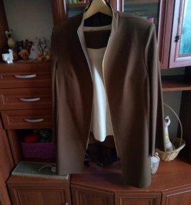 Костюм с брюками и блузой