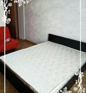Кровать с матрасом 200х200