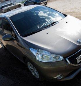 Продам Peugeot 208