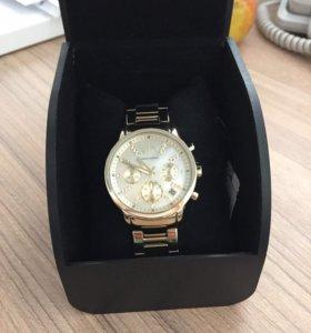 Часы armani exchage lady banks.