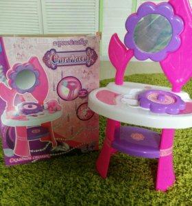 Туалетный столик с зеркалом и аксессуарами детский