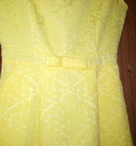 Платье летнее, жёлтого цвета.