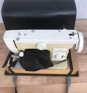 Швейная машинка чайка-132м