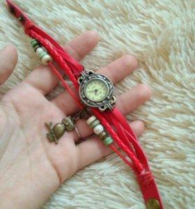 Красные часы с совой