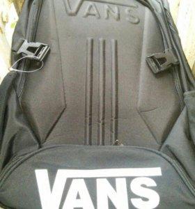 Ортопедический рюкзак Vans.