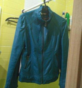 Куртка в хорошем состоянии, 44 размер