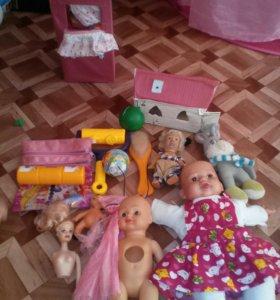 Планшет, фотоаппарат, игрушки