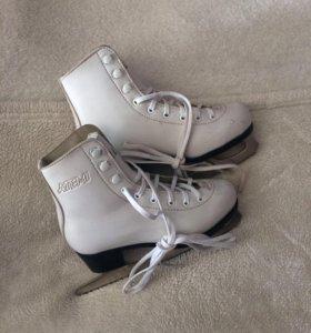 Фигурные коньки (детские-32 размер)