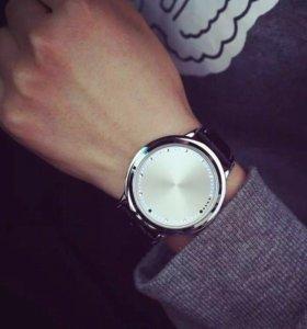 Led часы для мужчин и женщин. 200617