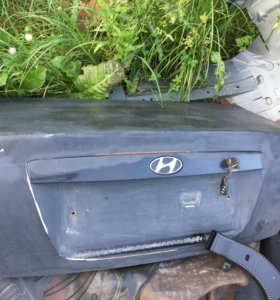 Крышка багажника Hyundai Elantra