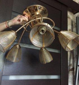 Продам светильник потолочный