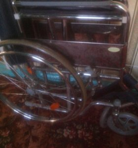 Инвалидная коляска в упаковке прогулочная