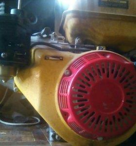 Двигатель 13 л.с