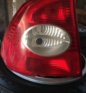 Задний левый фонарь на форд фокус 2