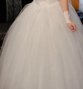 Свадебное платье, фата, подъюбник с кольцами