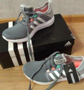 Новые кроссовки Adidas оригинал 37,5