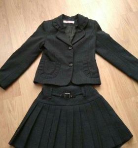 Школьный костюм на девочку возраст 8-9лет