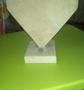 Сердце из природного камня