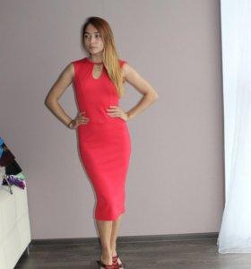 Платье в отличном состоянии ( не подошло)