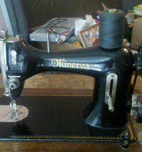 Ножная швейная машина MINERVA