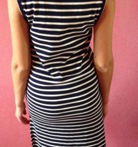 Трикотажное платье. Mango